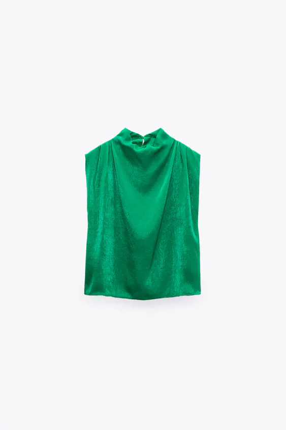#PopbelaOOTD: Ciptakan Gaya Minimalis dengan Baju Turtleneck Ini