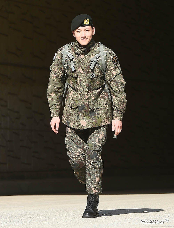11 Idol & Aktor Korea Ini Berpangkat Tinggi Saat Wajib Militer
