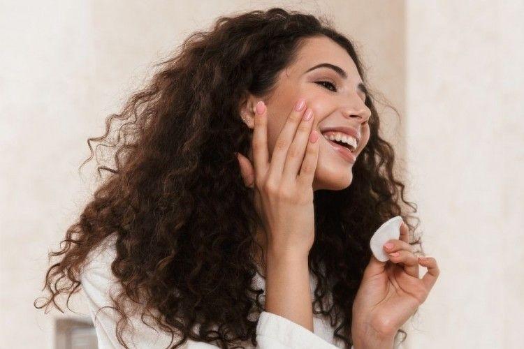 7 Rekomendasi Skincare Lokal untuk Mengatasi Bekas Jerawat