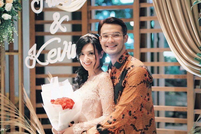 Jadi Suami Siaga, 10 Potret Mesra Kevin Andrean & Sylvia Fully