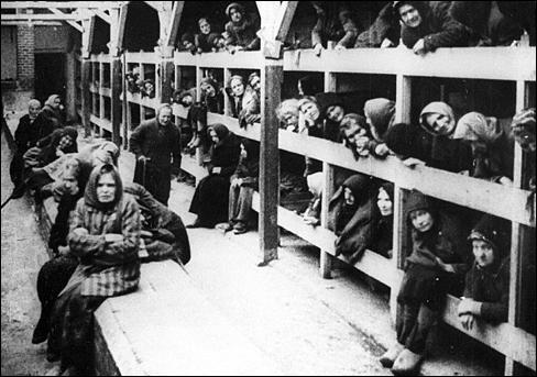10 Foto Kekejaman Kamp Konsentrasi Nazi yang Akan Mengiris Hatimu