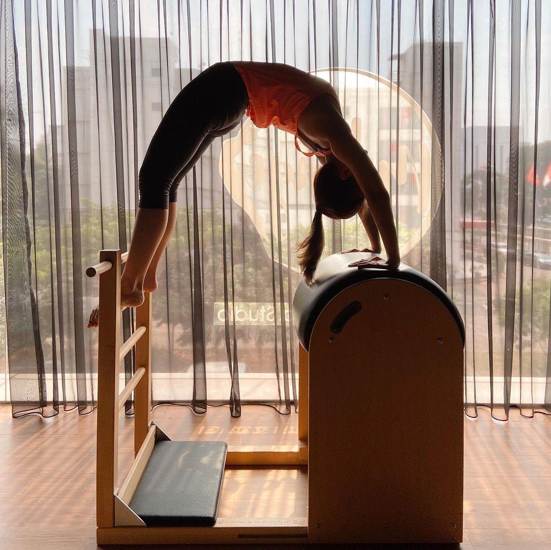 Jaga Lekuk Tubuh, 7 Seleb Tanah Air Ini Hobi Pilates