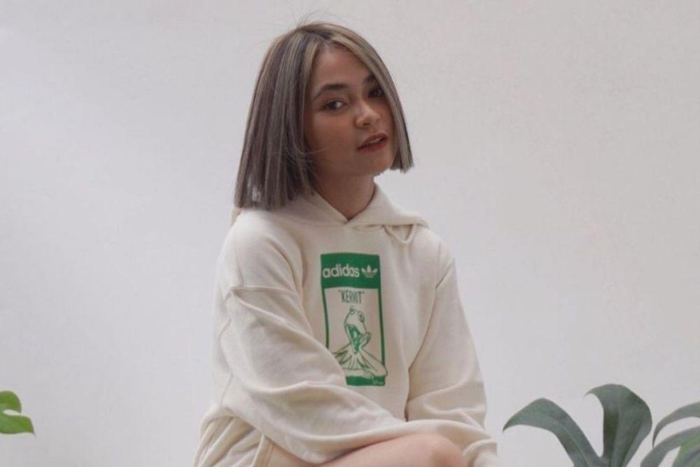 Potret Regina Poetiray, Vokalis Geisha yang Bergaya Kekinian