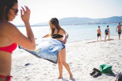 Ikuti Aturannya, Ini 7 Hal yang Dilarang Saat di Pantai