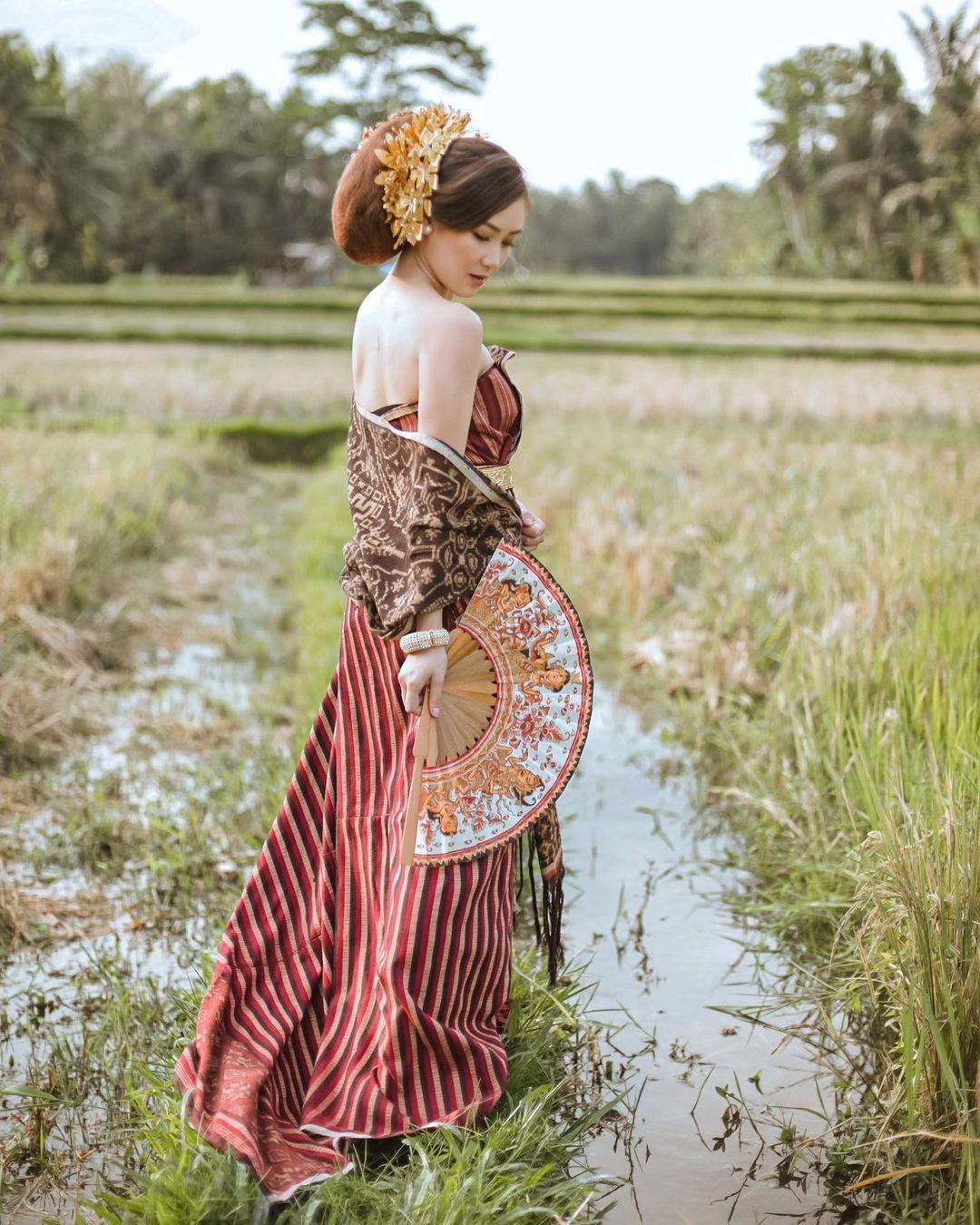 Intip Gaya Karen Vendela, Perempuan yang Siap Jadi Istri Boy William
