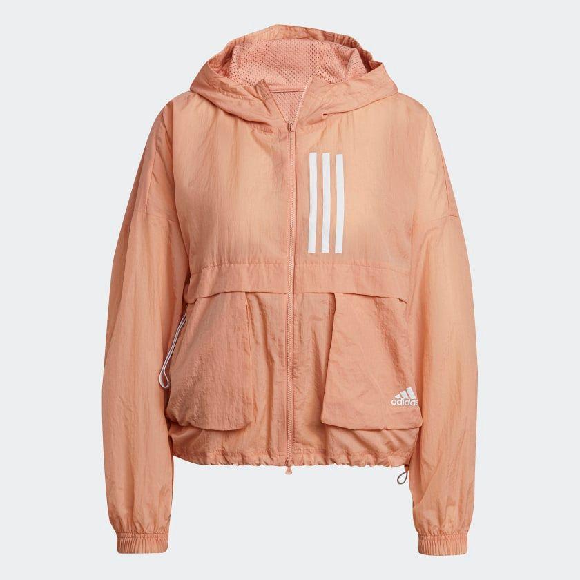 #PopbelaOOTD: Jaket Keren yang Cocok Digunakan saat Olahraga