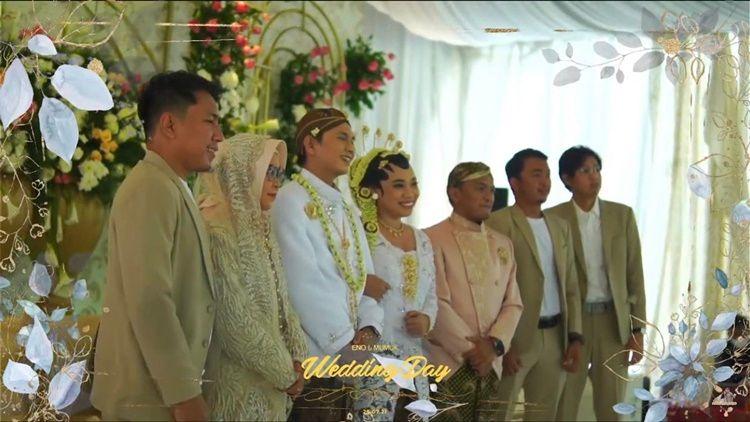 Berjodoh dengan Sahabat, 12 Foto Pernikahan Mumuk Gomez dan Eno Retra
