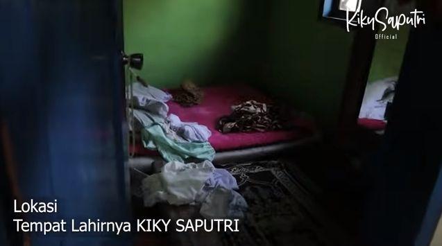 Masih Pakai Tungku Kayu, Potret Rumah Orangtua Kiky Saputri di Garut