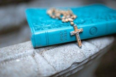 30 Ayat Alkitab Agar Keluarga Saling Mengasihi Diberkati