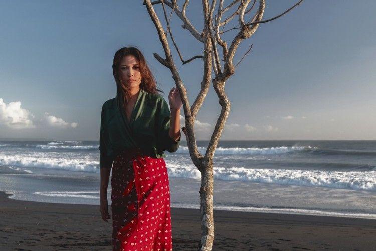 """""""Leave and Goodbye"""", Kontemplasi Menenangkan dari Titi Radjo Padmaja"""