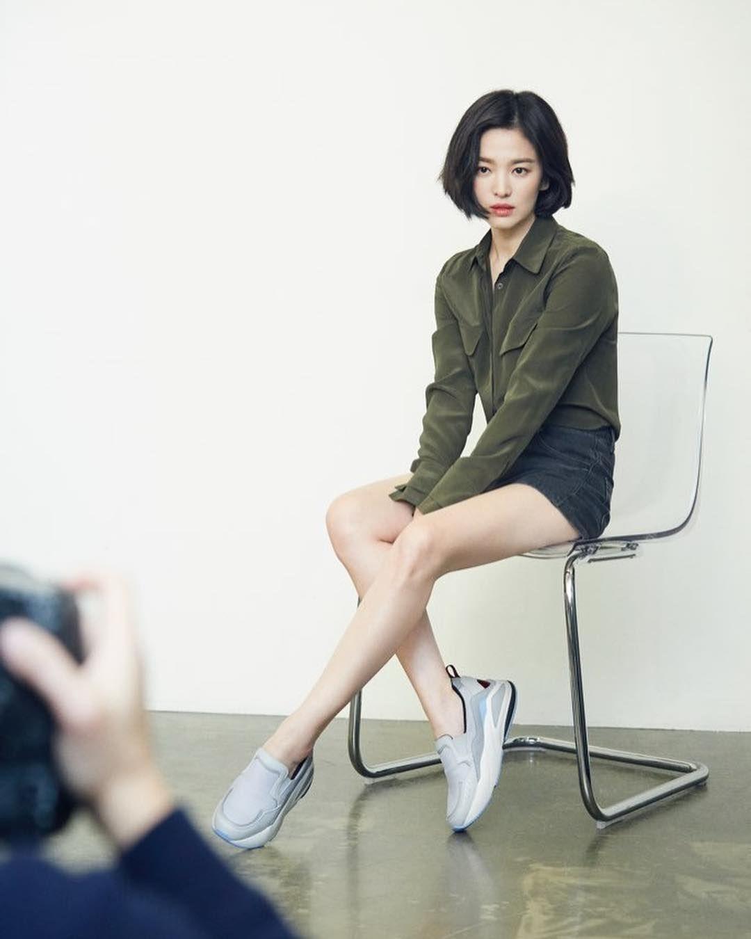 Deretan Bukti Song Hye Kyo Miliki Gaya Kekinian Layaknya ABG
