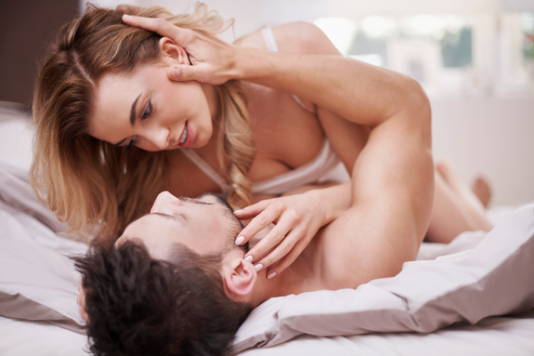 6 Tips Bercinta Tanpa Berhubungan Seks, Tetap Mesra!