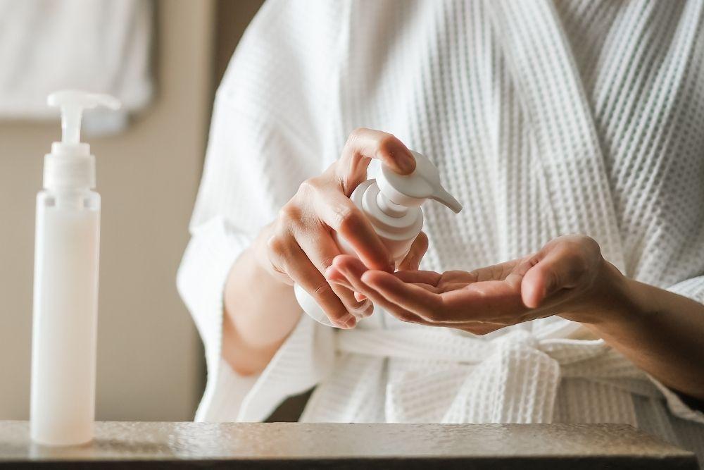 5 Cara Menyimpan Kosmetik Agar Awet dan Tahan Lama