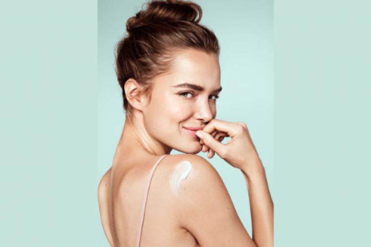 Manfaat dan Kandungan Scarlett Whitening Body Lotion