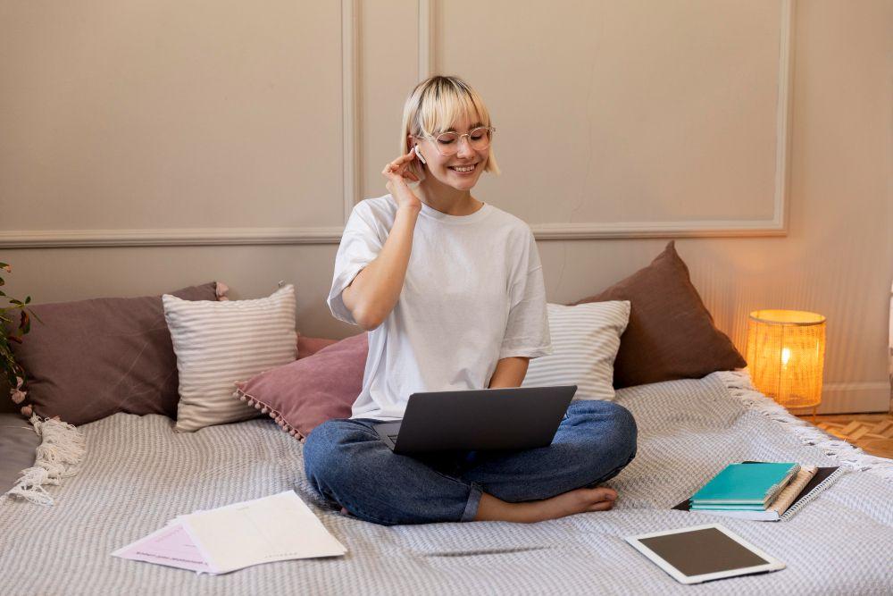 7 Cara Melakukan Quickie Sex Saat Work From Home