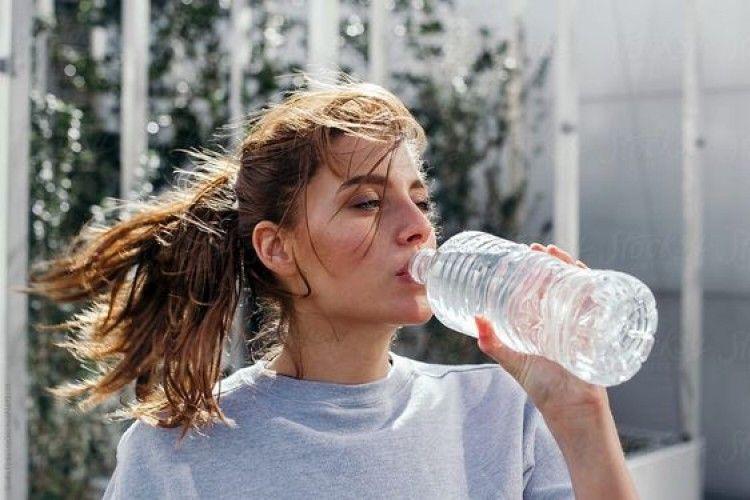 Overhydration, Ini Bahaya Jika Terlalu Banyak Minum Air