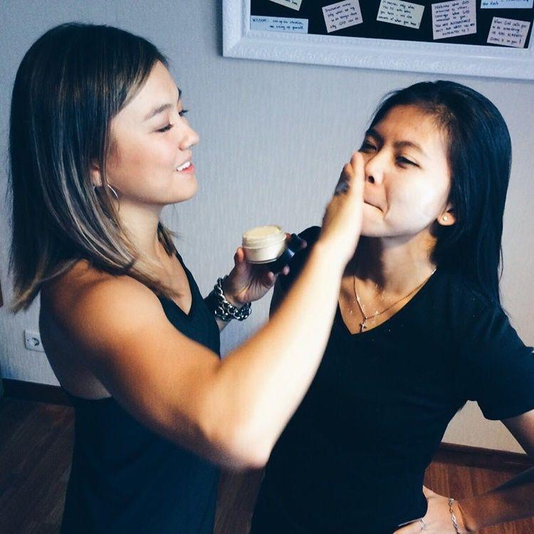 Bersahabat Sejak Remaja, Ini 10 Potret Kompak Agnez Mo & Greysia Polii