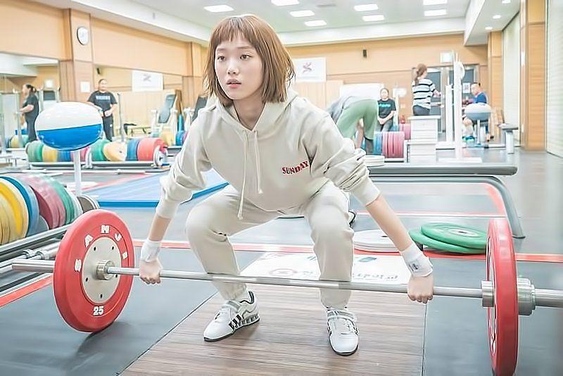 Gaya Para Artis Cewek yang Berperan sebagai Atlet di Drama Korea