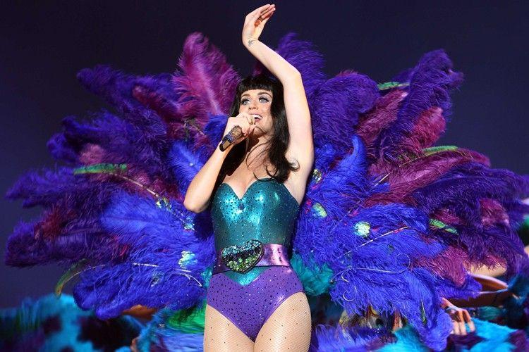 7 Kostum Unik Katy Perry yang Jarang Disorot Netizen