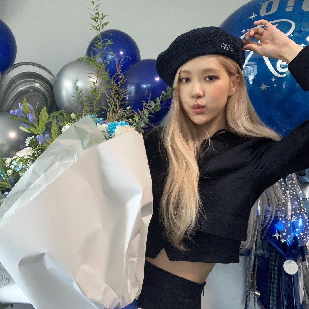 Gaya Terbaru Member BLACKPINK, Jennie dan Jisoo Beda Drastis!