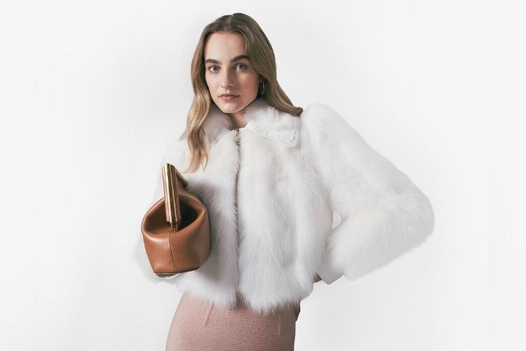 #PopbelaOOTD: Rekomendasi Jaket Bulu untuk Musim Hujan