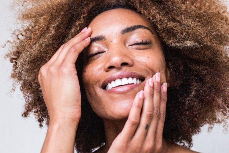 9 Rekomendasi Skincare Lokal untuk Kulit Kering, Wajib Coba!