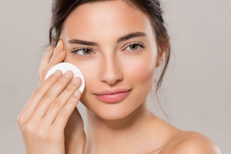 7 Rekomendasi Skincare untuk Menghilangkan Flek Hitam
