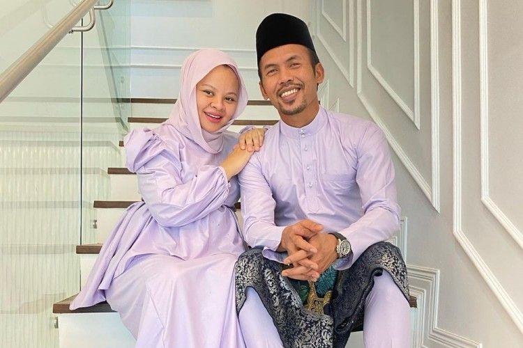 Meninggal Karena COVID Saat Hamil, Ini 10 Kenangan Siti Sarah & Suami