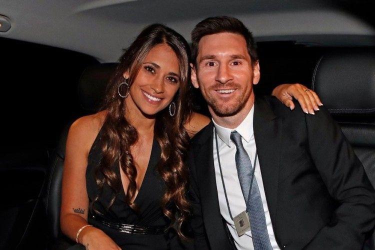Nikahi Teman Kecilnya, 10 Potret Kisah Cinta Lionel Messi dan Istri