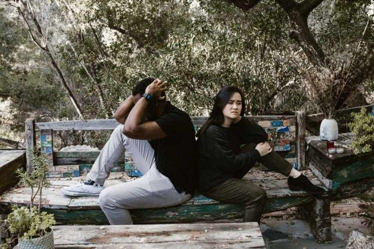 7 Pasangan Zodiak yang Toxic Banget Saat Menjalin Hubungan