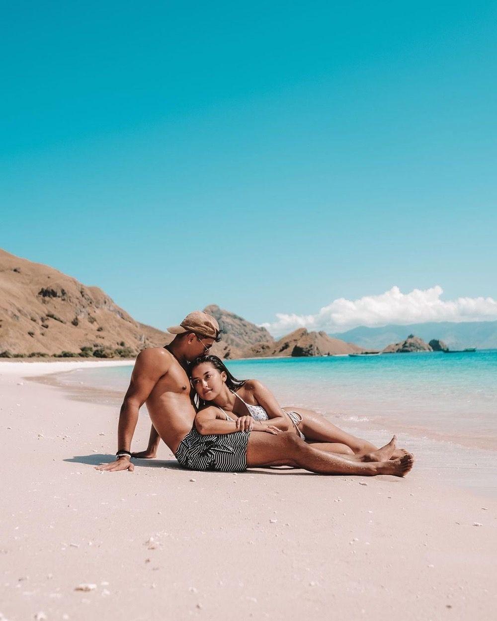 Dinilai Vulgar, Intip 9 Gaya Pacaran Jennifer Coppen dan Kekasih Bule