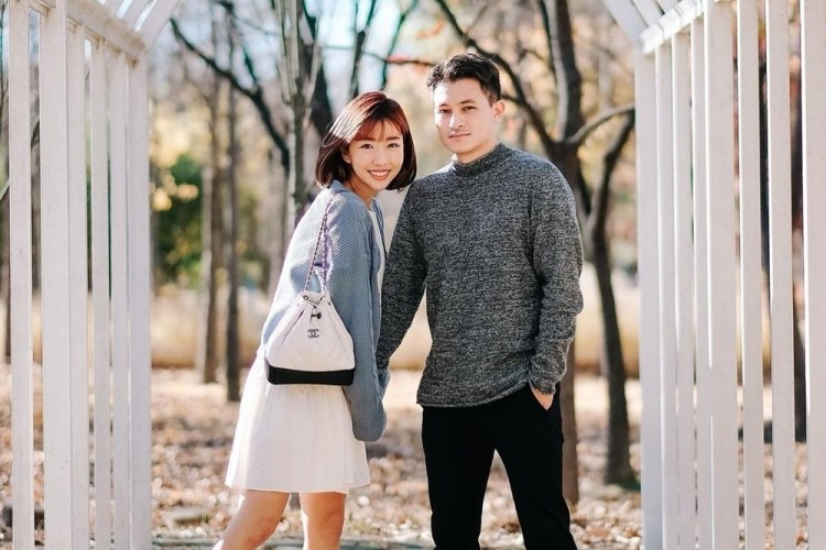 Terlibat Kontroversi, Ini 9 Potret Mesra YouTuber Sunny Dahye & Suami
