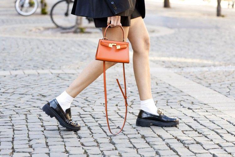 Cara Paling Stylish Pakai Sepatu Loafers yang Mudah untuk Ditiru