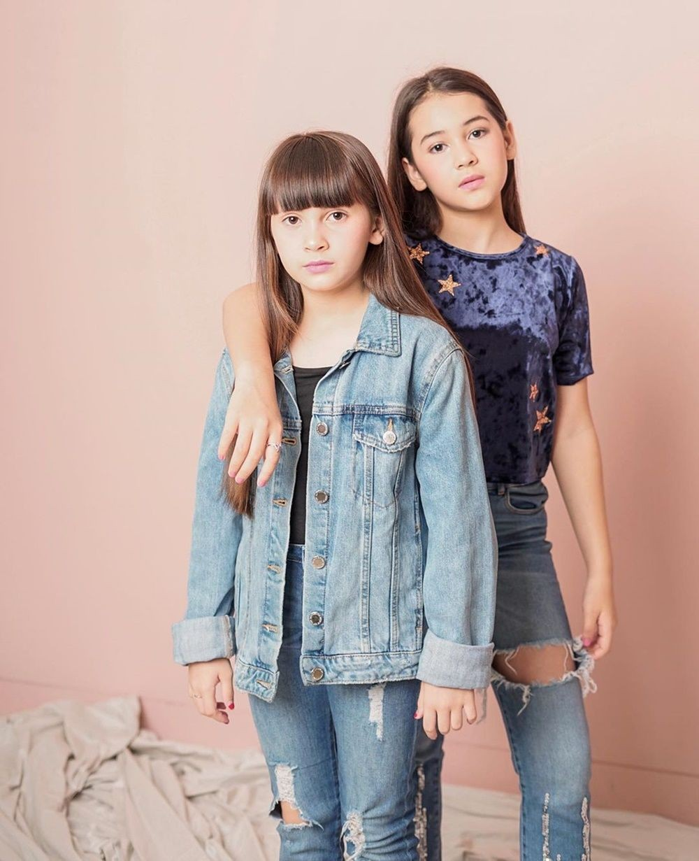 Dua Bersaudara, 10 Kakak Beradik Artis Perempuan Ini Dikenal Kompak