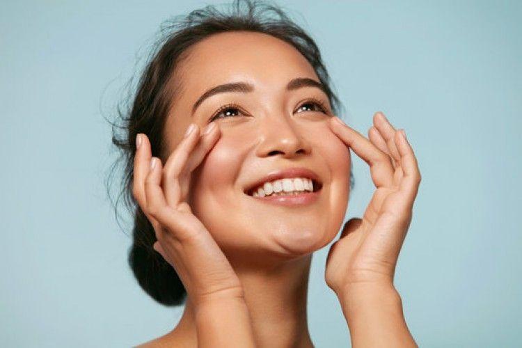 Rekomendasi Gua Sha dan Face Roller, Tolak Tua dengan Batu dan Logam