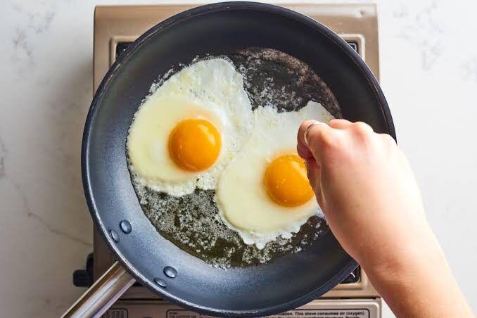 Resep Memasak Telur Ceplok Pedas Manis yang Simpel dan Sederhana