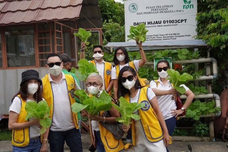 Lions Clubs Lestarikan Lingkungan Bersama Kampung Samtama