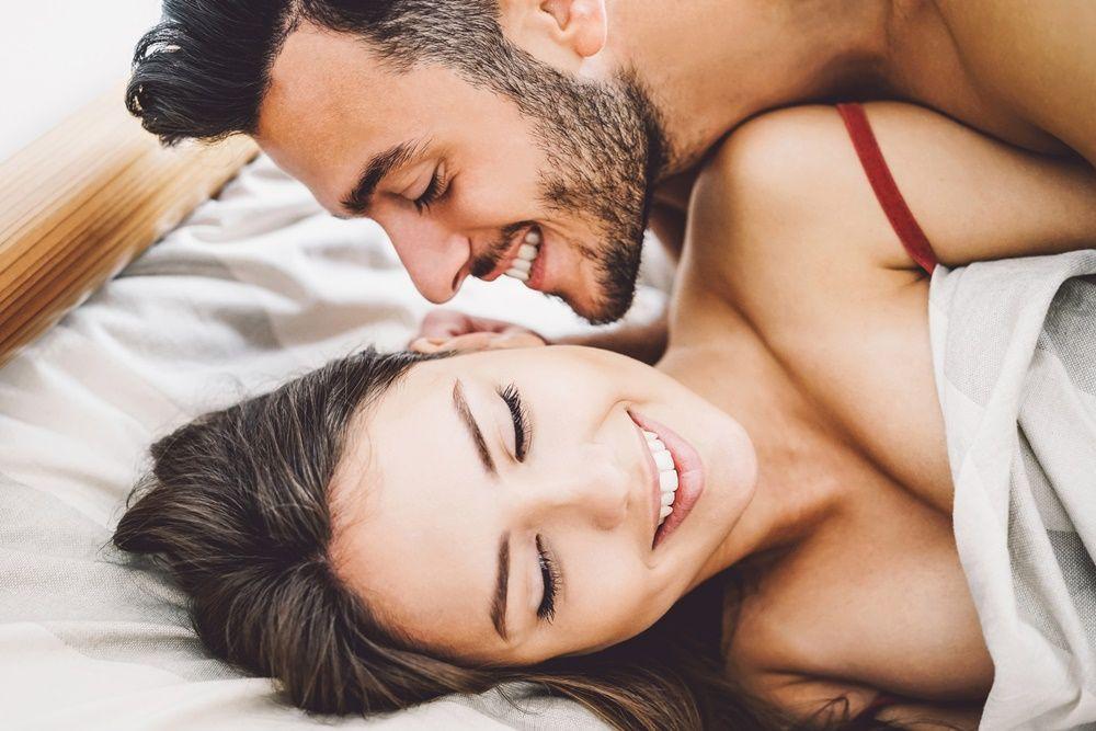 8 Cara Bangkitkan Gairah Suami Setelah Lama Tak Bercinta