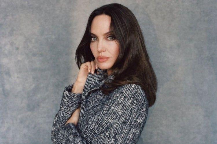 Angelina Jolie Ungkap Pengaruh Perceraian Brad Pitt Pada Kariernya