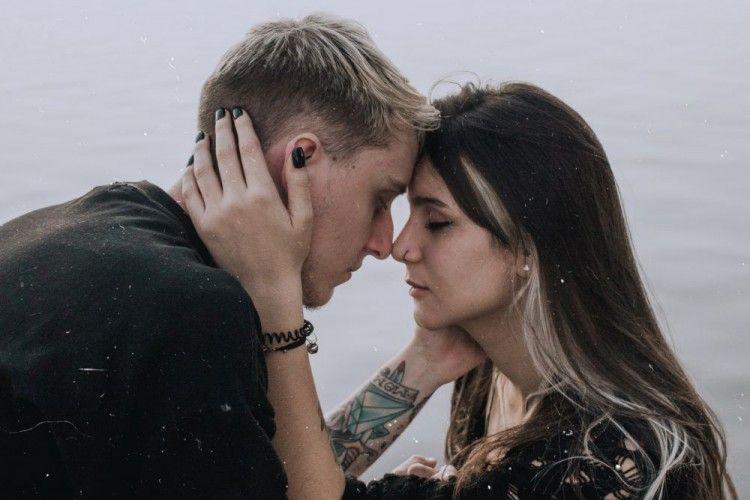 Apa Itu Karmic Relationship? Kenali 7 Tandanya dalam Hubungan