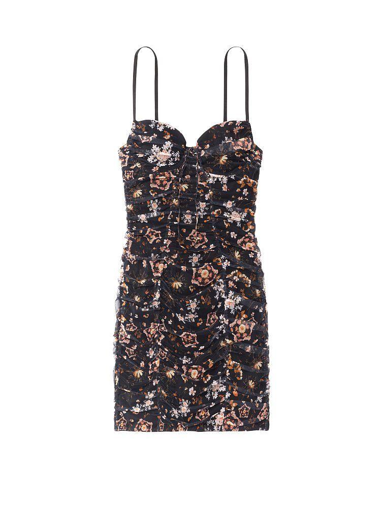 #PopbelaOOTD: Rekomendasi Slip Dress untuk Pengantin Baru