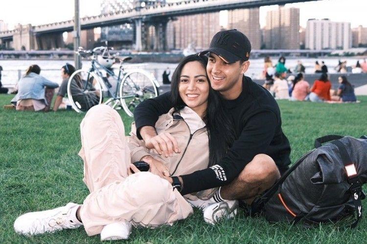 Susul Pacar, 9 Potret Mesra Rachel Vennya & Salim Nauderer di New York