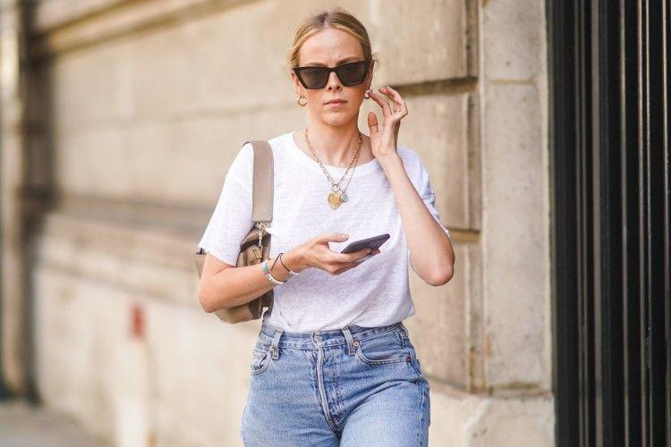Tips & Trik Merawat Baju Putih Supaya Lebih Awet dan Tahan Lama