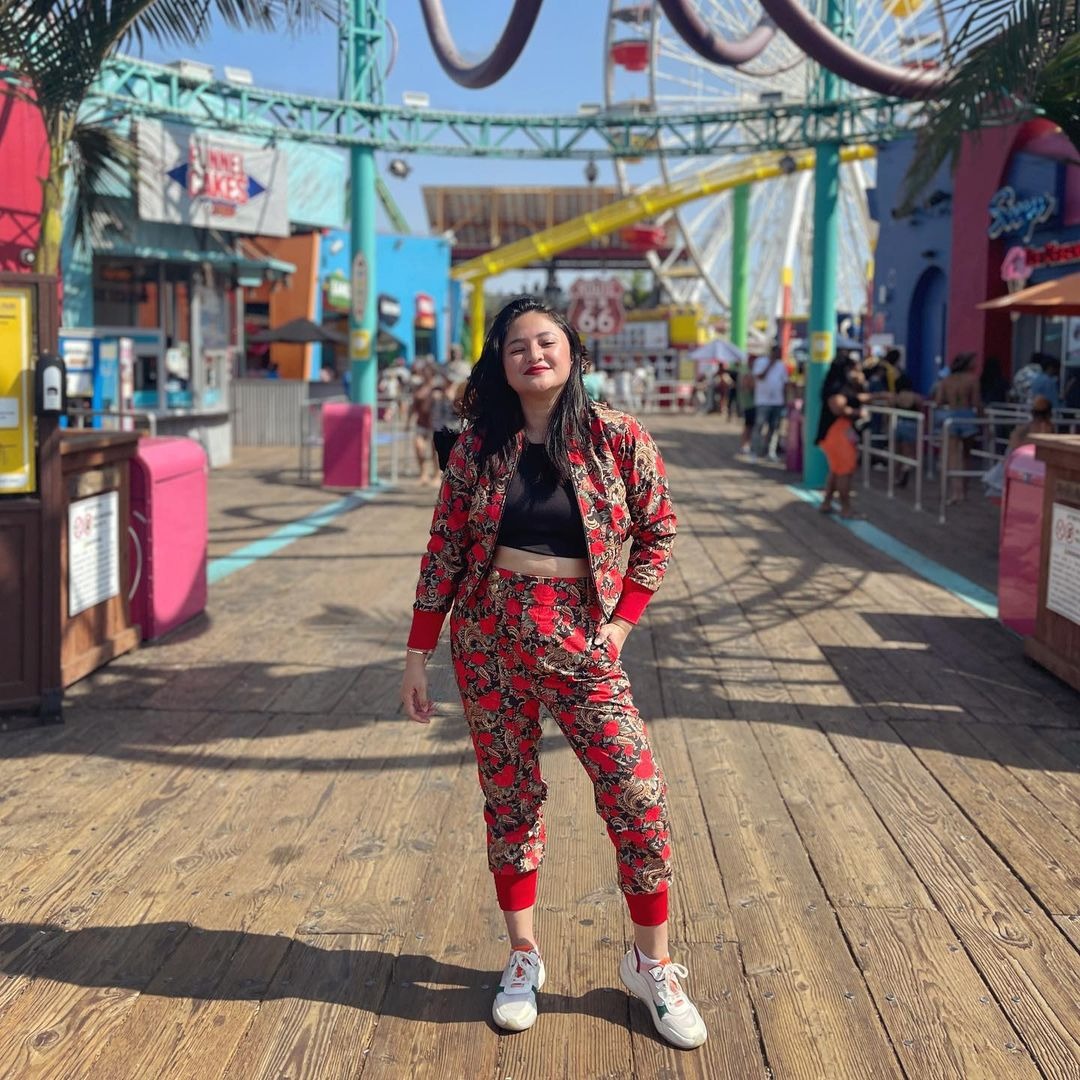 Potret Marshanda di Amerika, Pede Tunjukkan Tubuh Curvy