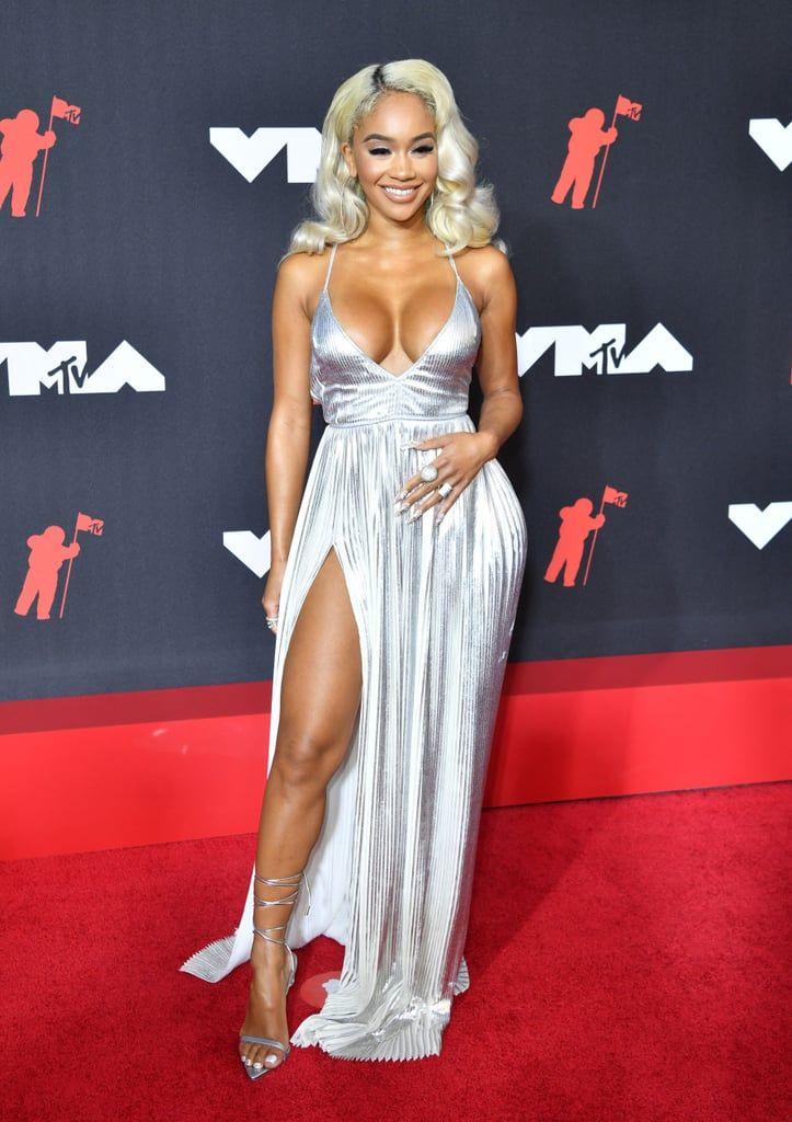 15 Seleb yang Tampil Terlalu Seksi di Karpet Merah MTV VMA 2021