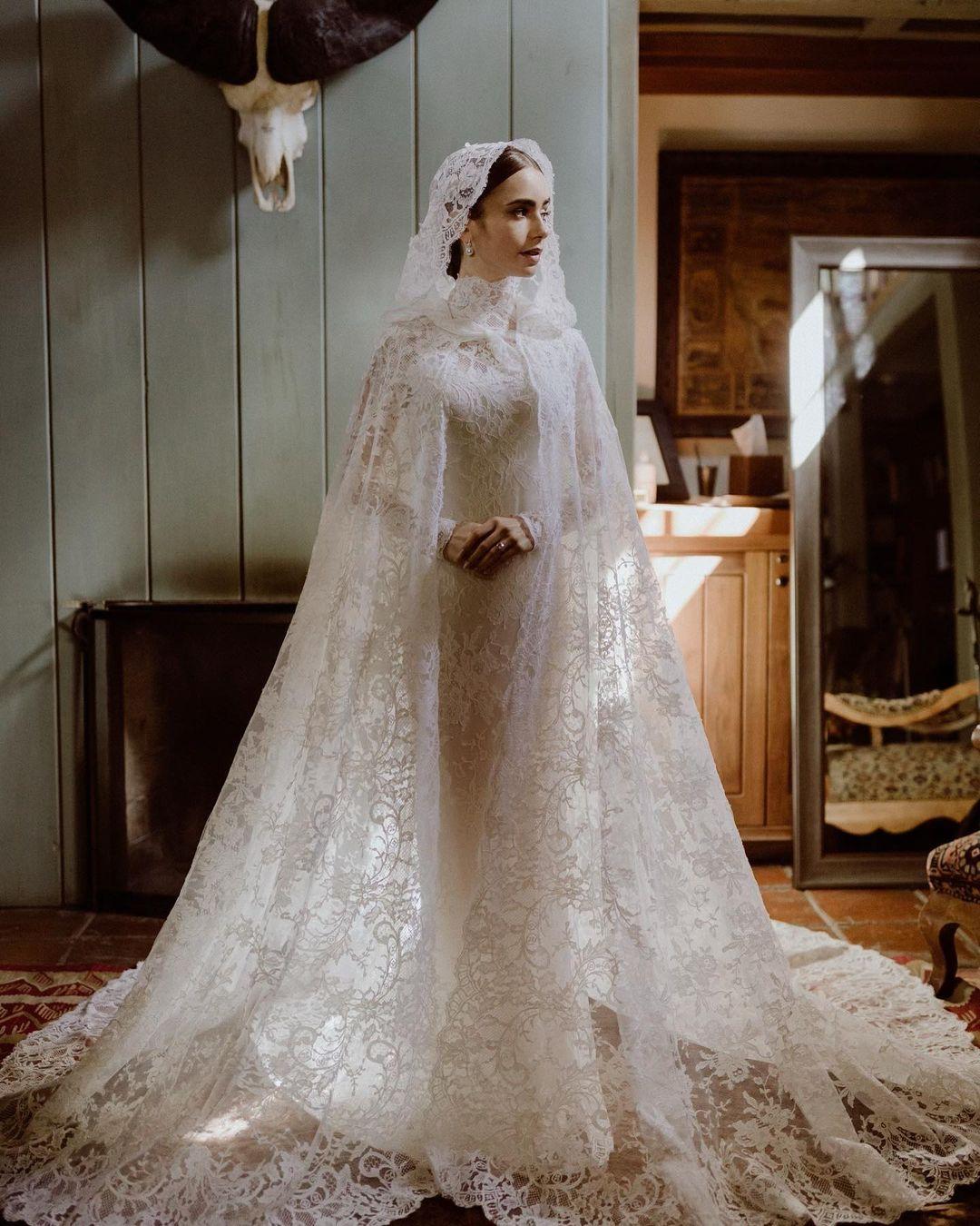 Gaya Artis yang Pakai Gaun Putih saat Menikah, Elegan hingga Seksi