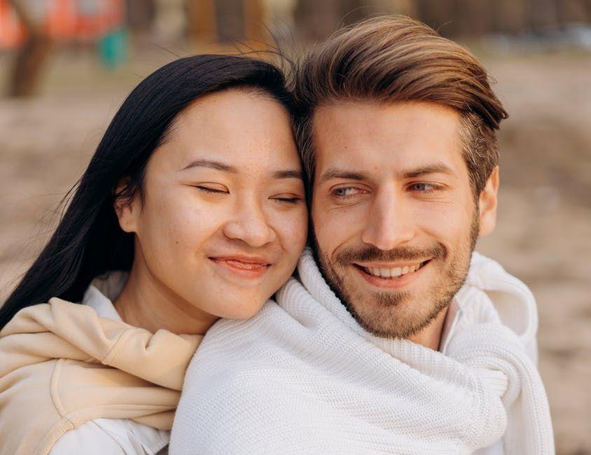 5 Cara Mendukung Pasangan yang Memiliki Gangguan Kejiwaan