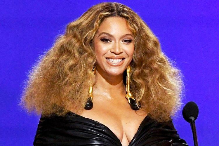 7 Gaya Makeup Artis Hollywood Berzodiak Virgo, Riasannya Sempurna!