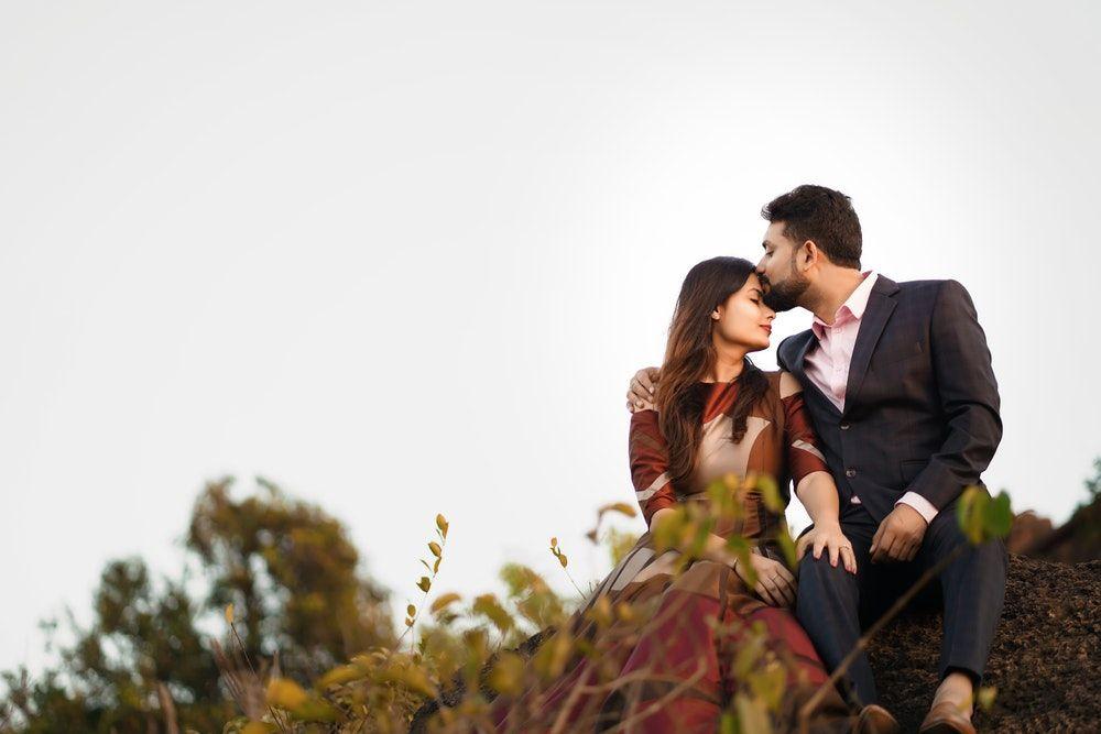 Tulus, Ini 5 Tanda Pasangan Mencintaimu dengan Cara yang Sederhana