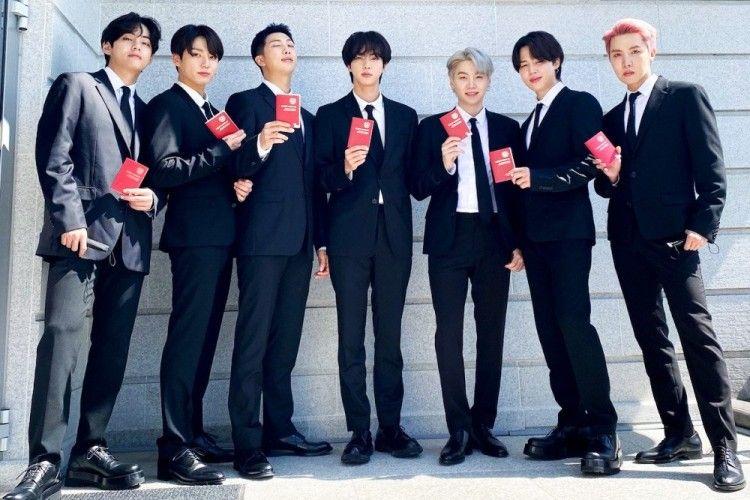 BTS Jadi Utusan Presiden Korea, Ini Kelebihan Paspor Diplomatik